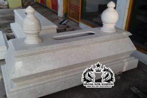 Makam Bokoran Tunggal Marmer