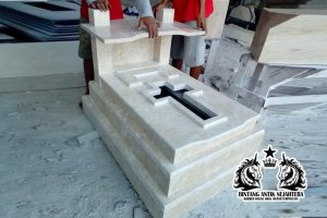 Makam Bayi Kristen Marmer