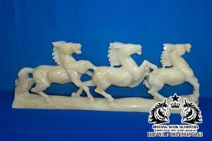 patung kuda renteng3