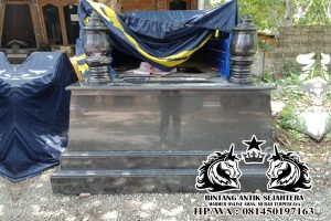 Makam Mataram Tumpuk Granit